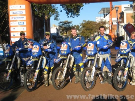 fb_husaberg_team_start_podium
