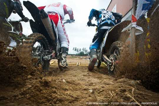 fb_110814_mx-sm_finspang_Jocke_Eliasson_Tom_Soederstroem_start_MX1-2